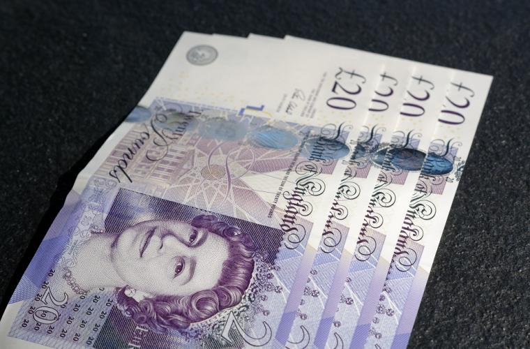 Picture of 20 pound bank notes